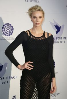 Cinema For Peace International Committee & Nominee Dinner (Berlin) - February 2019 - - Charlize Theron Central // Photo Gallery Mighty Joe, Charlize Theron Oscars, Jackson, The Devil's Advocate, Atomic Blonde, Best Actress, Sensual, Sexy Body, American Actress