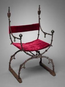 1450-1500 folding chair. Italy