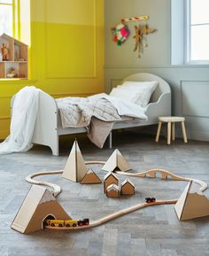 4 Brilliant DIY Toys You Can Make with Cardboard Ikea Boxes http://petitandsmall.com/4-brilliant-diy-toys-make-cardboard-ikea-boxes/