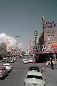 Vintage Las Vegas — Downtown Las Vegas, July Photo by Gene. - Aesthetic , aesthetic retro Vintage Las Vegas — Downtown Las Vegas, July Photo by Gene.