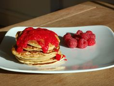 Almond Pancakes & Berries with Soy Flour (Low-GI Recipe)