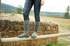 Ravelry: Horizons Cuffs pattern by Jenise Reid