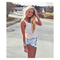 Aurora Mohn LOOKBOOK.nu ❤ liked on Polyvore featuring pictures, girls, aurora mohn, people and photos
