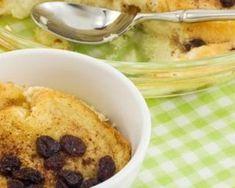 Pudding de pain rassis allégé aux raisins secs et vanille : http://www.fourchette-et-bikini.fr/recettes/recettes-minceur/pudding-de-pain-rassis-allege-aux-raisins-secs-et-vanille.html