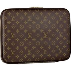 Crafted in traditional Monogram canvas, this slim Louis Vuitton Computer Sleeve 13 has a foam-lined protective compartment. Practical, with a zipper closure, it also has a stylish Louis Vuitton inventeur signature. Pochette Louis Vuitton, Louis Vuitton Store, Louis Vuitton Handbags, Louis Vuitton Monogram, Vuitton Bag, Latest Makeup Trends, Gadgets, Computer Sleeve, Mk Bags