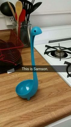 Samson, The Dino-Shaped Ladle, Shares His Wild Day With Us - World's largest collection of cat memes and other animals Funny Jokes, Hilarious, Cute Kitchen, Kitchen Photos, Funny Stories, Bored Panda, Tumblr Posts, Funny Cute, Funny Photos