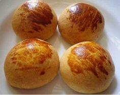 Krem Şantili Poğaça - Fügen Büke #yemekmutfak Krem şanti kullanarak pastane poğaçası tadında, nefis yumuşacık poğaçalar yapabilirsiniz. Çok lezzetli ve pratik bir peynirli poğaça tarifidir. İçinin harcını isterseniz patatesli, ıspanaklı veya kıymalı olarak da hazırlayabilirsiniz. Kabartma tozu ve kuru maya kullanılan bu dağişik poğaça hamuru ile harika poğaçalar yapmak son derece kolay.