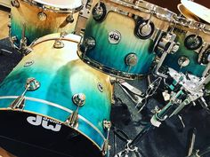 DW Exotic Natural to Regal Blue Drums