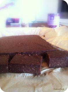 Brownie med bønner lyder lidt skørt men det går faktisk over al forventning. Det giver en tung og mættende kage med godt med fibre. Prøv den her:
