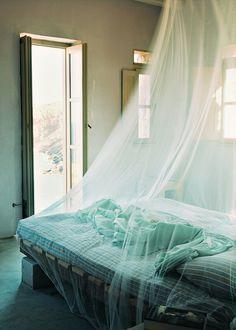 Une moustiquaire pour bien dormir en été - Marie Claire Maison