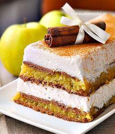 Lekka pianka z jabłkami i herbatnikami