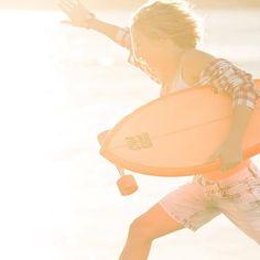 Just trying to jump over this hump! #humpday #sunshine #orangeglow #skater #surfergirls #surfinglife #sydney #northernbeaches #manlybeach #deewhy #narrabeen #avalon #cronulla #goldcoast #nobbysbeach #burlieghheads #kirra #snapperrocks #noosa #longboardgirl #longboardcruiser #cruiserskateboard by shadow_skates