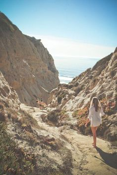 Probably the best surf spot in San Diego - Blacks Beach, San Diego San Diego Surfing, San Diego Beach, Tahiti, Maldives, Oh The Places You'll Go, Places To Visit, Santorini, Destinations, San Diego Travel
