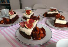 Aneta Goes Yummi: Perníkový koláč s mascarpone krémom a božskou slivkovo-jablkovou omáčkou s rumom