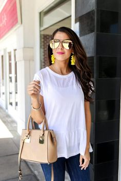 White Peplum Tee and Denim Style for Spring. Basic Tees. Tees for Spring. Spring Tees. Spring Tops. Casual Spring Outfits. Easy Spring Outfits. #springfashion #casualoutfits #denimstyle