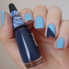 Blue nails. Geometric Nail art. Nail design. Polishes.  Unhas geométricas azul. Esmalte Compartilha da Colorama (azul claro) e o Para Sempre da Impala. #bluenovember #novembroazulnodicas