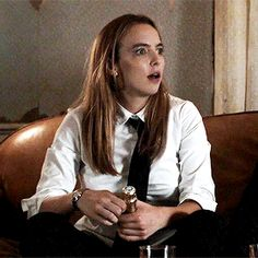 I love this scene from Killing Eve. I can't decide if she ad libbed or not when the cork exploded. I Have A Crush, Having A Crush, Asking A Girl Out, Five Jeans, Suits For Women, Women Ties, Girl Bye, Jodie Comer, School Girl Outfit