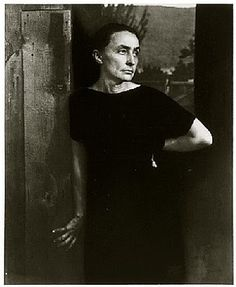 Portrait+of+Georgia+O'Keeffe.jpg (328×400)