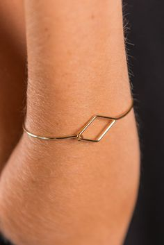 Dainty Diamond Shaped Bracelet - Gold - The Mint Julep Boutique