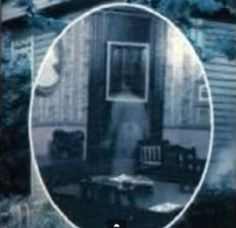 Ghost or hoax? Eerie ghost woman at the Catfish Plantation in Waxahacie, TX. Real Ghost Pictures, Ghost Images, Ghost Photos, Haunted Places, Spooky Places, Haunted Houses, Haunted Dolls, Paranormal Pictures, Supernatural