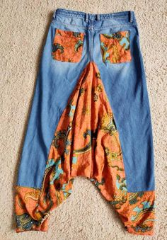 Diy Clothing, Sewing Clothes, Clothing Patterns, Hippie Hose, Baggy Pants, Harem Pants, Denim Ideas, Denim Crafts, Recycled Denim