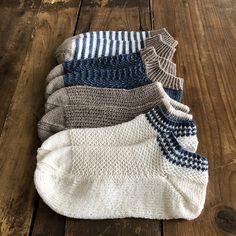 Loom Knitting Patterns, Knitting Stitches, Knitting Socks, Free Knitting, Knitting Tutorials, Knitting Machine, Crochet Socks, Knitted Slippers, Knit Crochet