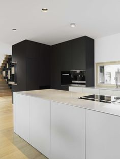 Musterhaus Vienna by SoNo arhitekti Home Kitchens, Kitchen Design, Kitchen Inspirations, Best Kitchen Designs, Modern Kitchen, Kitchen Interior, Modern Wood Furniture, Home Decor, Prefabricated Houses