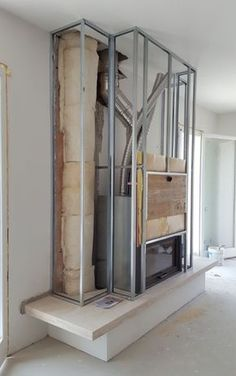 The Best Amazing Fireplace Tile Ideas for Your Living Room How to cover a plasterboard fireplace? Why choose this material? All the answers in this post! Fireplace Tv Wall, Cottage Fireplace, Modern Fireplace, Living Room With Fireplace, Fireplace Surrounds, Fireplace Design, Fireplace Mantels, Home Living Room, Fireplace Ideas