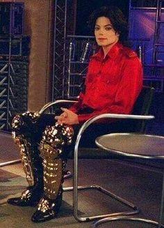 Michael Jackson waiting for dinner