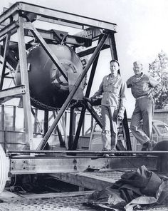Fat Man Shake Test, 1945 | Community Post: 24 Extraordinary Photos Of The Making Of The Atomic Bomb