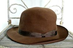 Vintage 1950 s Brown Fedora Hat   felt fedora   brown derby hat   bowler  hat   leather hat   mad men   Helium hat 705361ae21cd