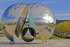 When art attacks: City pulls sculpture after visitor's jacket singed by reflected rays Steel Sculpture, Sculpture Art, Sculptures, Conversation Images, Wishing Well, Land Art, Public Art, Travel Posters, Calgary
