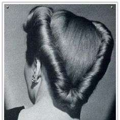 Hair The Couture Touch: Victory Rolls 1940s Hairstyles, Baddie Hairstyles, My Hairstyle, Cool Hairstyles, Wedding Hairstyles, Hairdos, Vintage Haircuts, Modern Haircuts, Homecoming Hairstyles