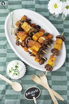 Vegetarisch Grillen ist mit diesen Halloumi-Süßkartoffel-Champignon-Spieße ein Gedicht! Würzig und lecker für jede Grillparty!
