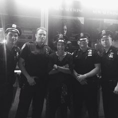 Harry with New York policemen