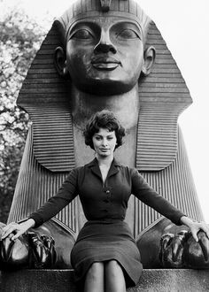 Sophia Loren posing before the Cleopatra's Needle Sphinx in London, 1957 first posted by beauvelvet