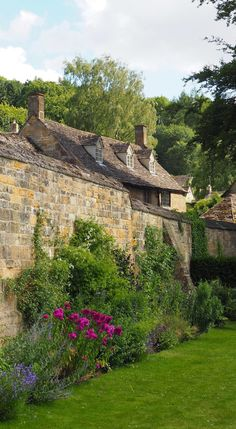 England Travel Inspiration - Exploring the National Trust property in the Cotswolds, Snowshill Manor and Gardens. A unique collection of artefacts collected over the years. Close to Broadway is Cotswolds Lavender, row upon row of lavender to rival the French lavender fields. Click the link to read my Travel Tips for the Cotswolds!