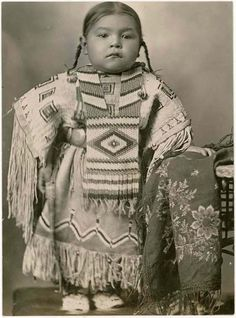 ☆ Cheyenne girl wearing an elaborate beaded dress and breastplate, Oklahoma :¦: Native by Design :¦: American Craft Council ☆ Native American Children, Native American Beauty, Native American Photos, Native American Tribes, Native American History, American Indians, American Symbols, American Baby, Baby Animals