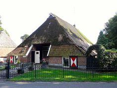 Boerderij onder rieten schilddak, Hellendoorn ©Gouwenaar (wikipedia user)