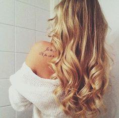 Hiukset auki