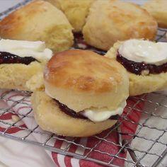 Australian Scones Recipe, Australian Food, Perfect Scones Recipe, Best Scone Recipe, Breakfast Recipes, Dessert Recipes, Scone Recipes, Bread Recipes, Desserts