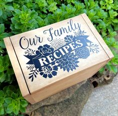 Dress up a plain recipe box with a custom vinyl decal like this family recipe box. See how to make this easy update for a fun look. Recipe Cards, Recipe Box, Recipe Ideas, Fun Diy Crafts, Crafts To Make, Family Recipe Book, Kitchen Vinyl, Project Steps, I Go To Work