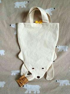 cute bag sac en coton en forme d'un ours diy Sewing For Kids, Diy For Kids, Sewing Crafts, Sewing Projects, Fabric Bags, Kids Bags, Handmade Bags, Purses And Bags, Sewing Patterns