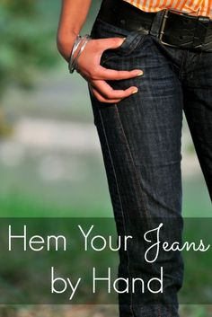 Sewing Tips Helpful Hints Simple diy fashion tutorial. Learning to hem your own jeans will save you time and money again and again. This simple diy tutorial shows you how to easily hem your jeans by hand - no sewing machine needed. Hemming Jeans, Hem Jeans, Diy Fashion No Sew, Fashion Tips, Fashion Sewing, Fashion Ideas, Women's Fashion, Dress Sewing Tutorials, Sewing Projects