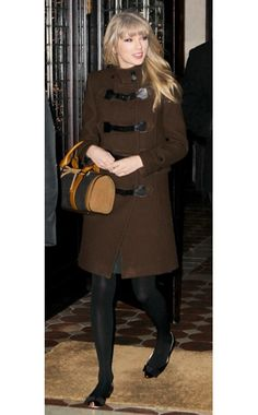 Taylor Swift has style in this Burberry coat. On the street, New York City de3c5caaa0