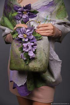 Bead Sewing, Sewing Art, Sewing Crafts, Yarn Crafts, Felt Crafts, Fabric Flower Pins, Felt Pictures, Nuno Felt Scarf, Felt Purse