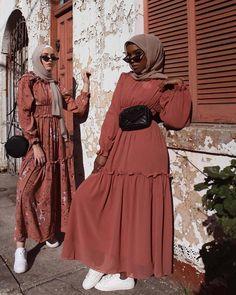 Hijab Styles 522558363014020622 - ❣Elegant& sportif❣… Source by Hijab Fashion Summer, Modest Fashion Hijab, Modern Hijab Fashion, Muslim Women Fashion, Modesty Fashion, Hijab Fashion Inspiration, Mode Inspiration, Women's Fashion Dresses, Fashion Fashion