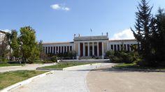 Fotografía: Rebeca Pizarro - Museo Arqueológico- Atenas Mansions, House Styles, Home Decor, Athens, Palaces, Vacation, Museums, Countries, Cities