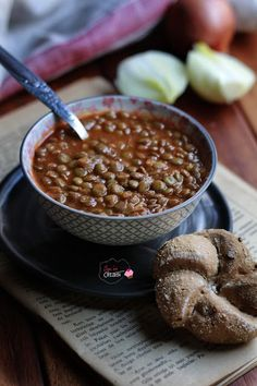 Yeşil Mercimek Yemeği Green lentil dish – One of the most practical dishes that does not require preparation. Lentil Recipes, Soup Recipes, Diet Recipes, Healthy Recipes, Athlete Nutrition, Diet And Nutrition, Lentil Dishes, Green Lentils, Turkish Recipes