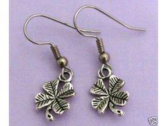 SILVER PLATED CLOVER PIERCED EARRINGS $3.99